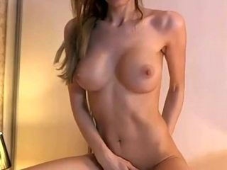 This Cam Slut Enjoys Long Sessions Of Genuinely Passionate Pussy Toying