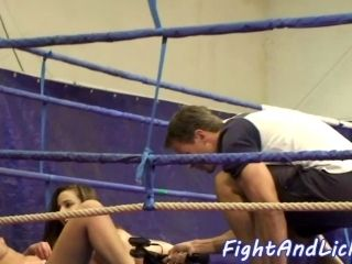 Lovely Chicks Pussytoying In The Boxing Ring
