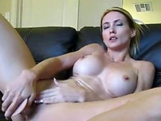 Blond Webcam Goddess 21 Squirting in a Bowl HD
